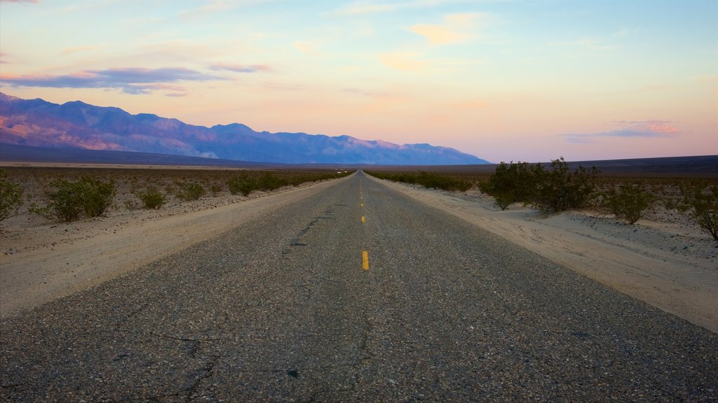 Death Valley showing landscape views, a sunset and tranquil scenes