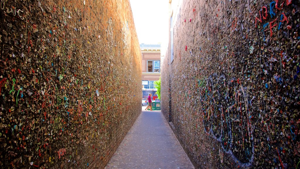 San Luis Obispo which includes outdoor art