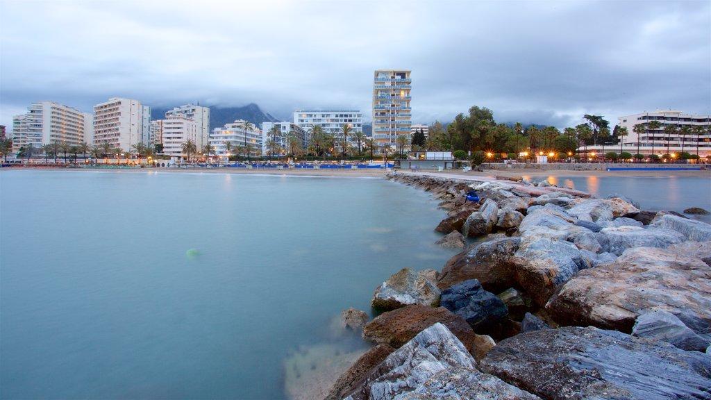 Marbella showing a coastal town, general coastal views and rocky coastline