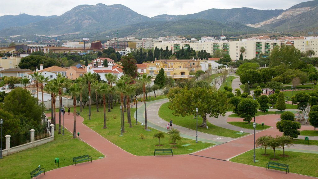 La Bateria Park showing landscape views and a garden
