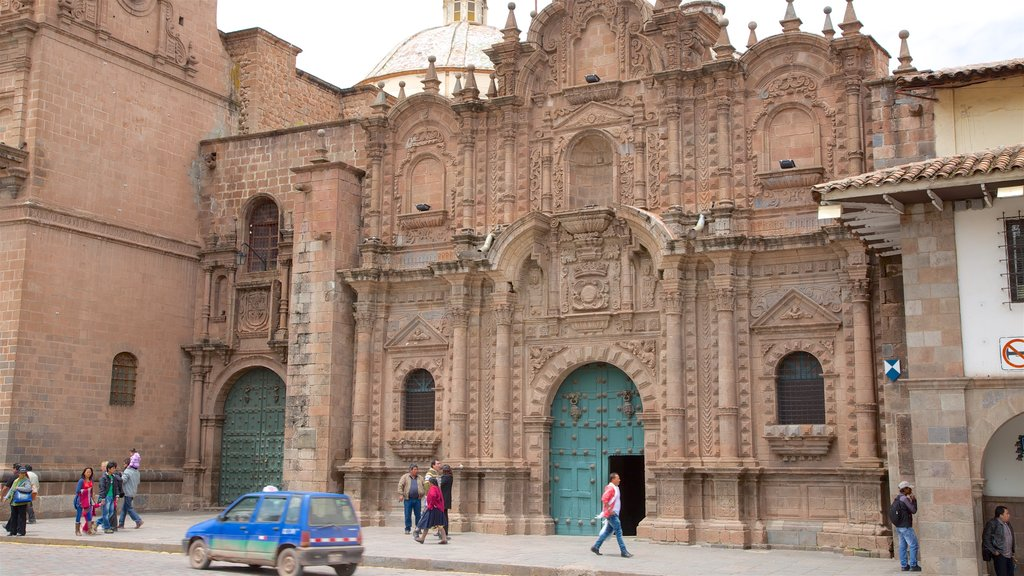 Cusco Historic Center featuring street scenes and heritage architecture