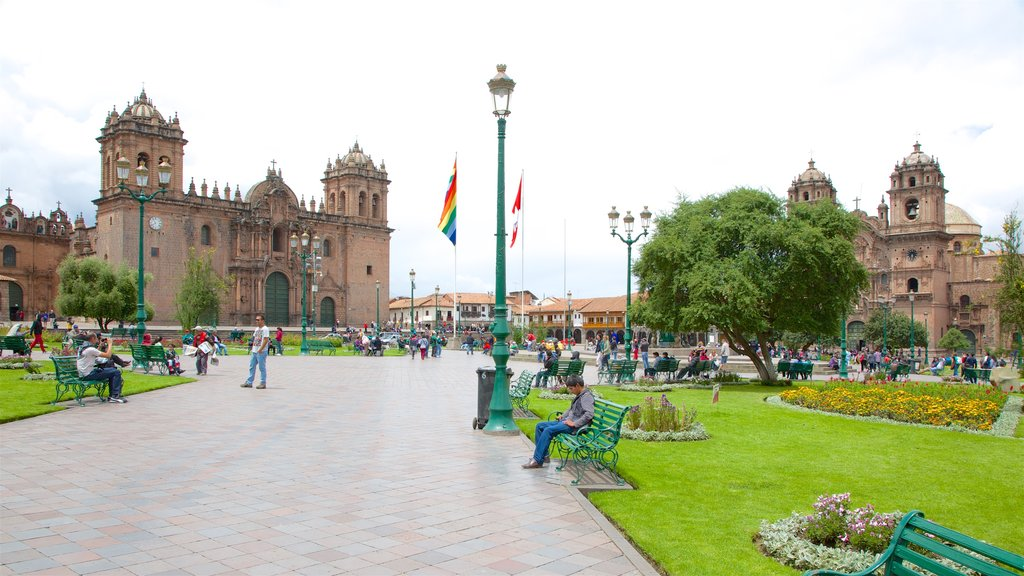 Cusco Historic Center which includes heritage architecture and a garden