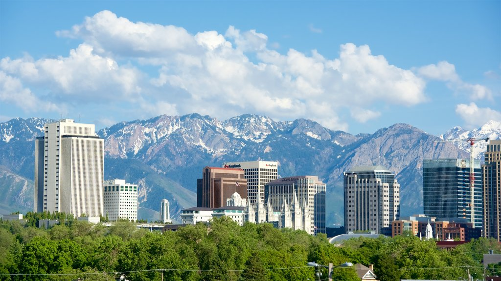 Northern Utah - Salt Lake City which includes mountains and a city