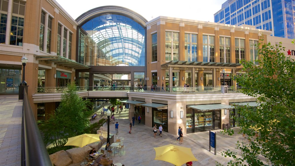 City Creek Center featuring shopping