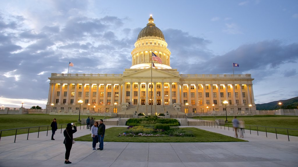 Downtown Salt Lake City showing a sunset, an administrative buidling and heritage architecture
