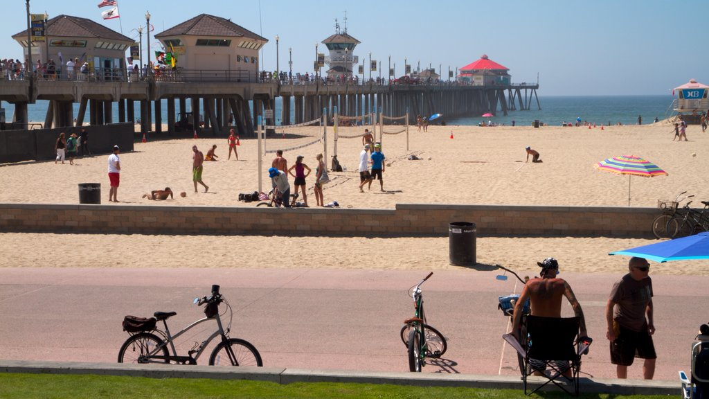Huntington Beach showing general coastal views and a sandy beach