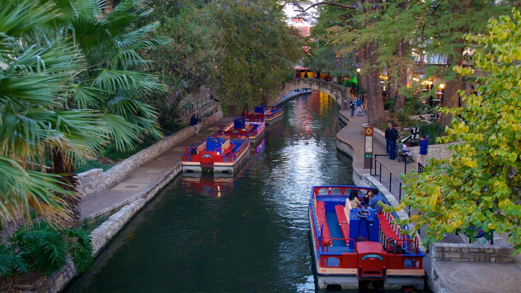 San Antonio featuring boating and a garden