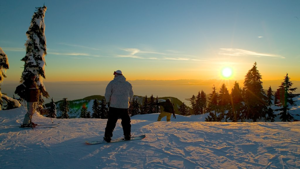 Cypress Mountain which includes snow, landscape views and snow boarding