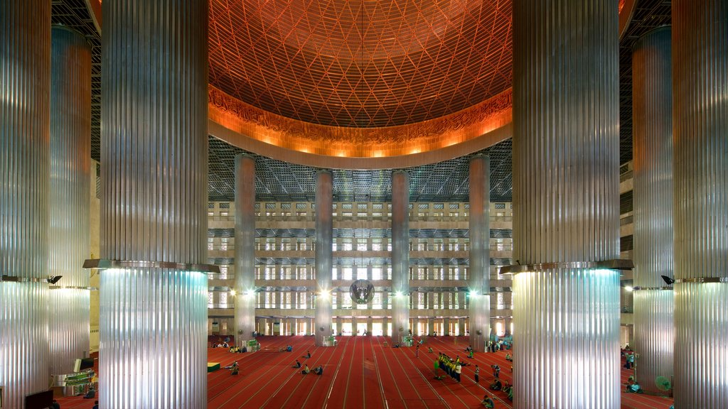 Istiqlal Mosque showing modern architecture, heritage architecture and interior views