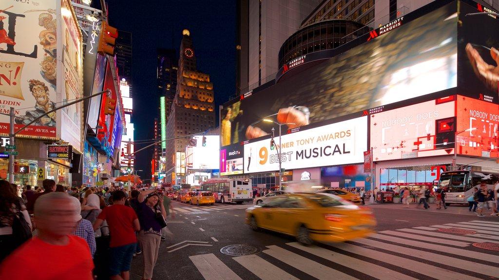 Times Square caracterizando uma cidade, sinalização e distrito comercial central