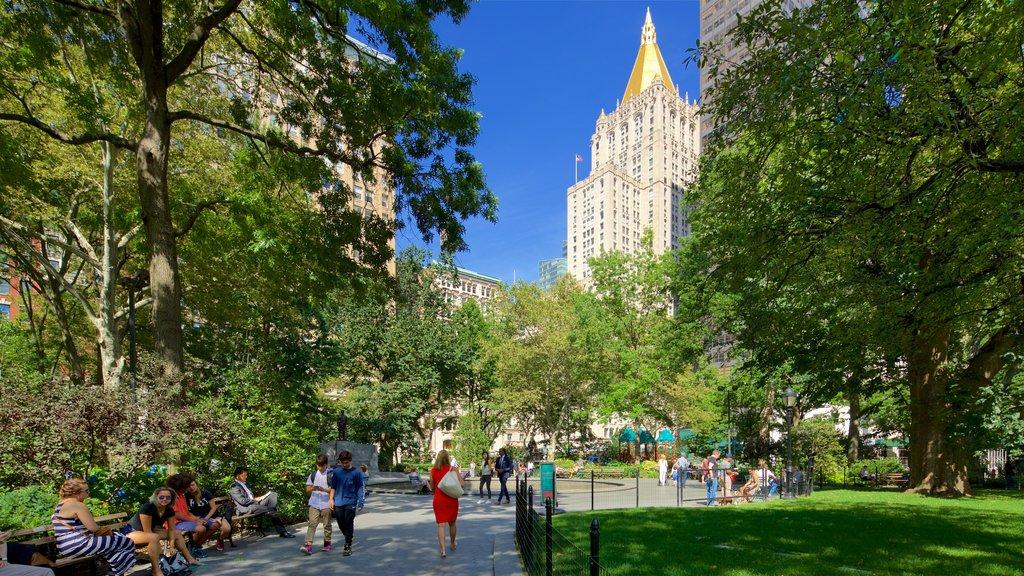 Madison Square Park ofreciendo una ciudad y un parque