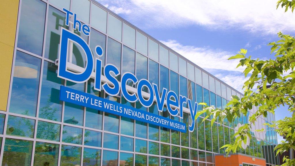 Museo del descubrimiento Terry Lee Wells Nevada que incluye señalización