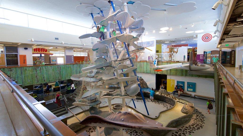 Museo del descubrimiento Terry Lee Wells Nevada ofreciendo un parque infantil y vistas interiores