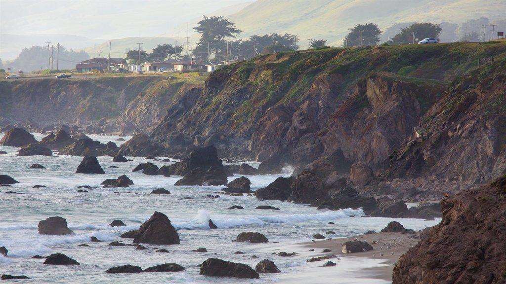 Sonoma Valley que incluye costa rocosa y vistas generales de la costa