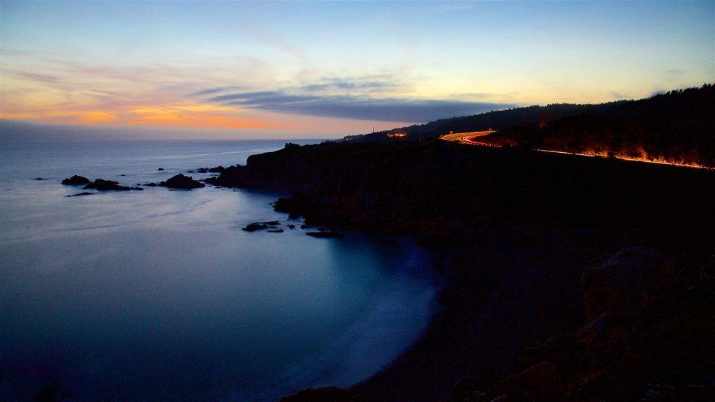 Sonoma Valley que incluye vistas generales de la costa y una puesta de sol