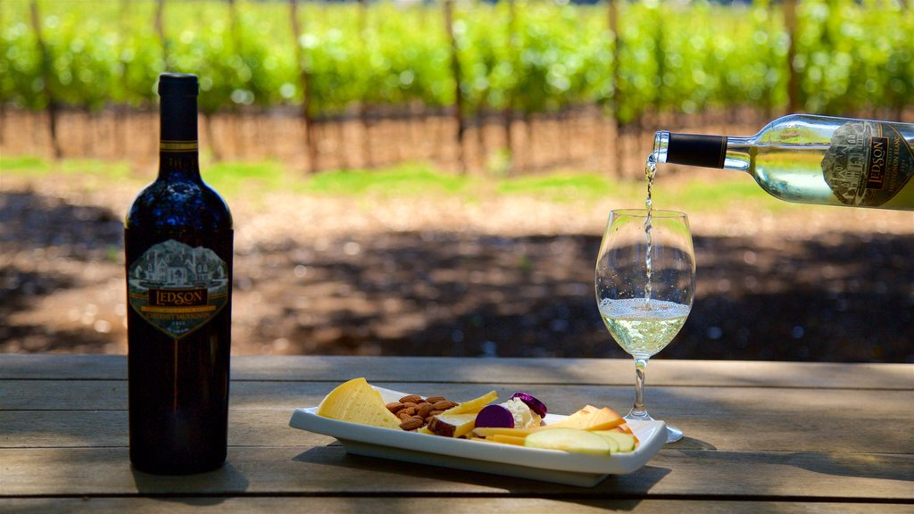 Ledson Winery and Vineyards showing food and drinks or beverages