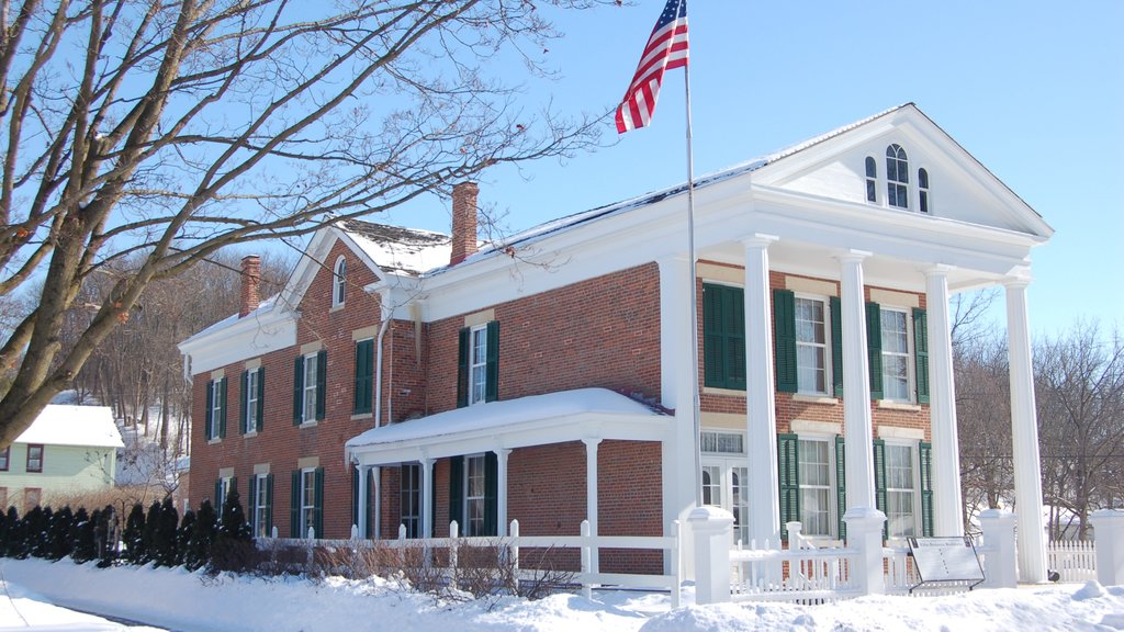 Washburne House Historic Site which includes snow and heritage elements
