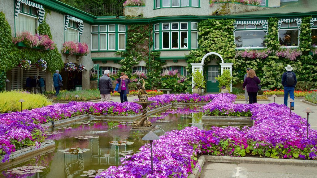 Butchart Gardens featuring a garden and flowers