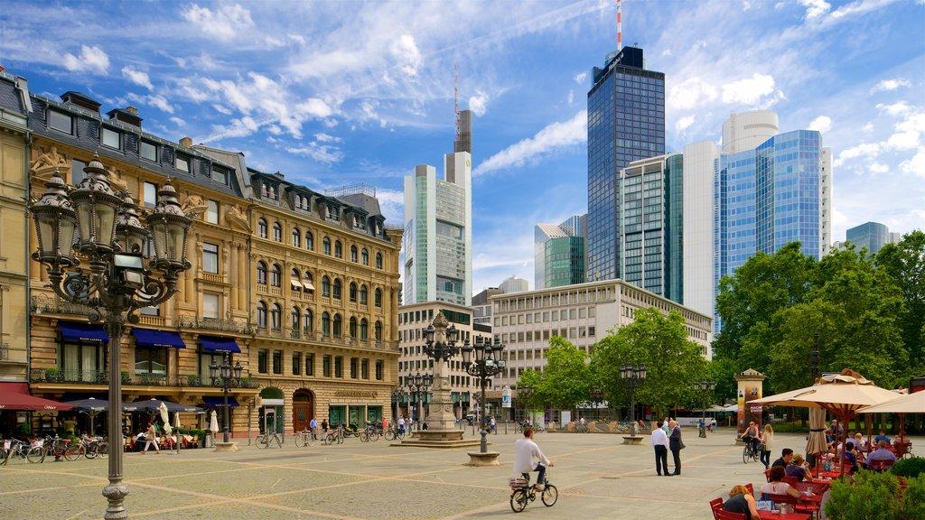 Frankfurt mostrando elementos de patrimônio, um edifício e uma praça ou plaza