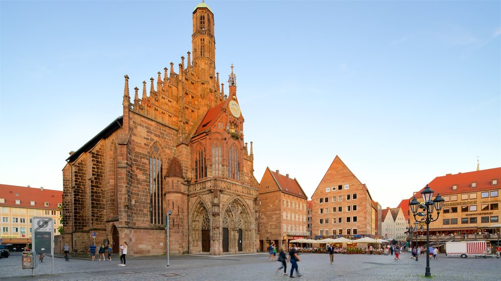 Frauenkirche which includes heritage architecture, a square or plaza and a church or cathedral