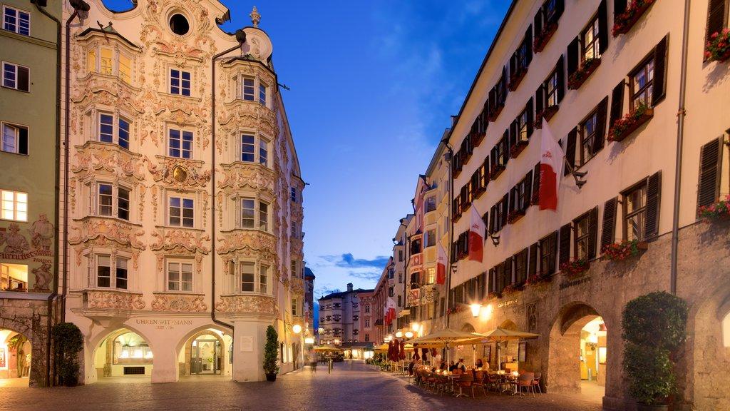 Ciudad Vieja mostrando elementos del patrimonio y escenas nocturnas