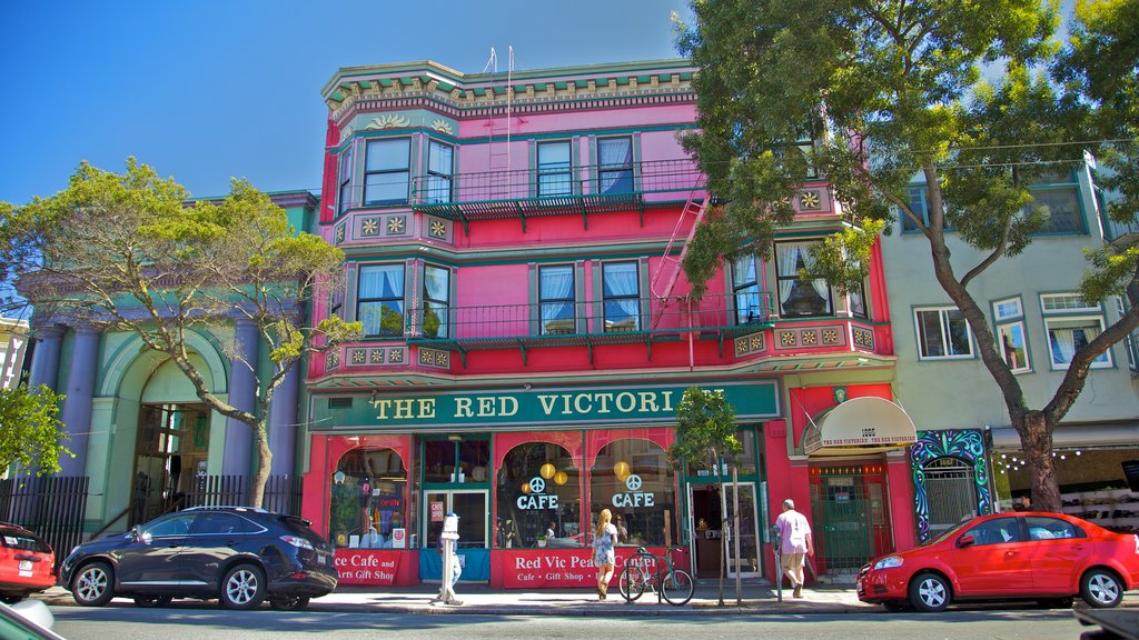 Haight-Ashbury featuring shopping, cafe lifestyle and a city