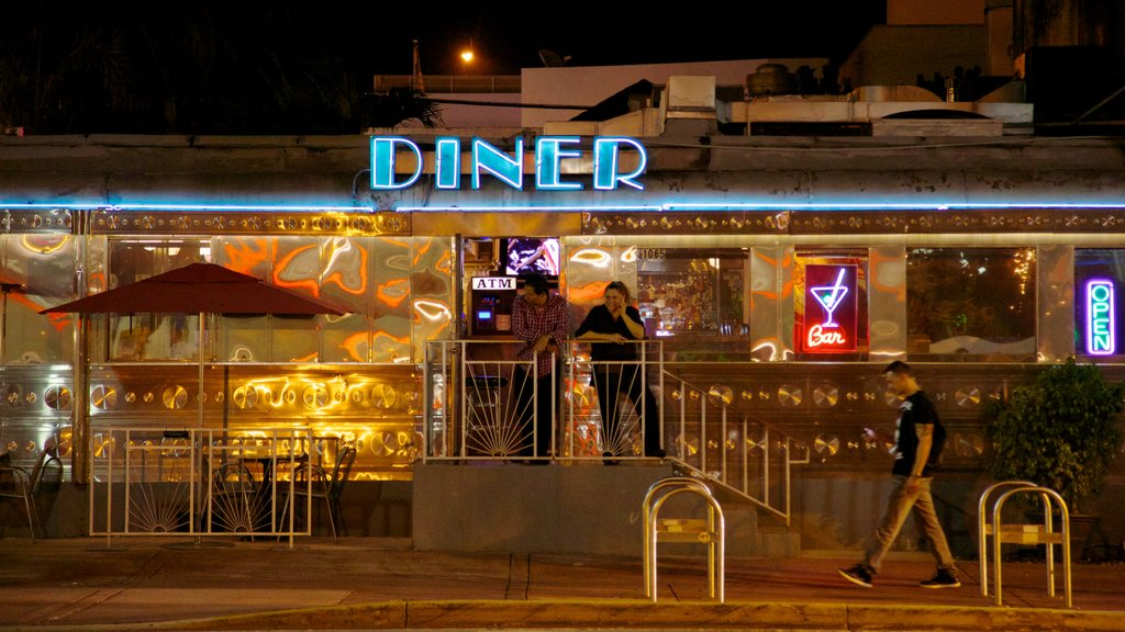 Miami Beach featuring night scenes and dining out