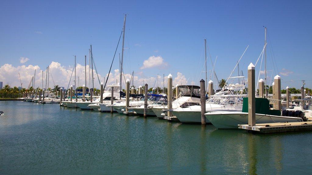 Crandon Marina featuring a bay or harbor, a marina and boating