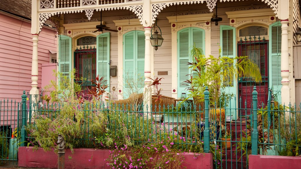 French Quarter which includes a house and heritage architecture