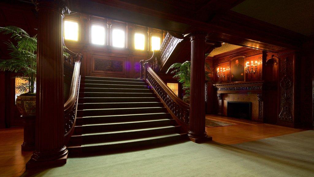 James J. Hill House mostrando elementos del patrimonio y vistas interiores