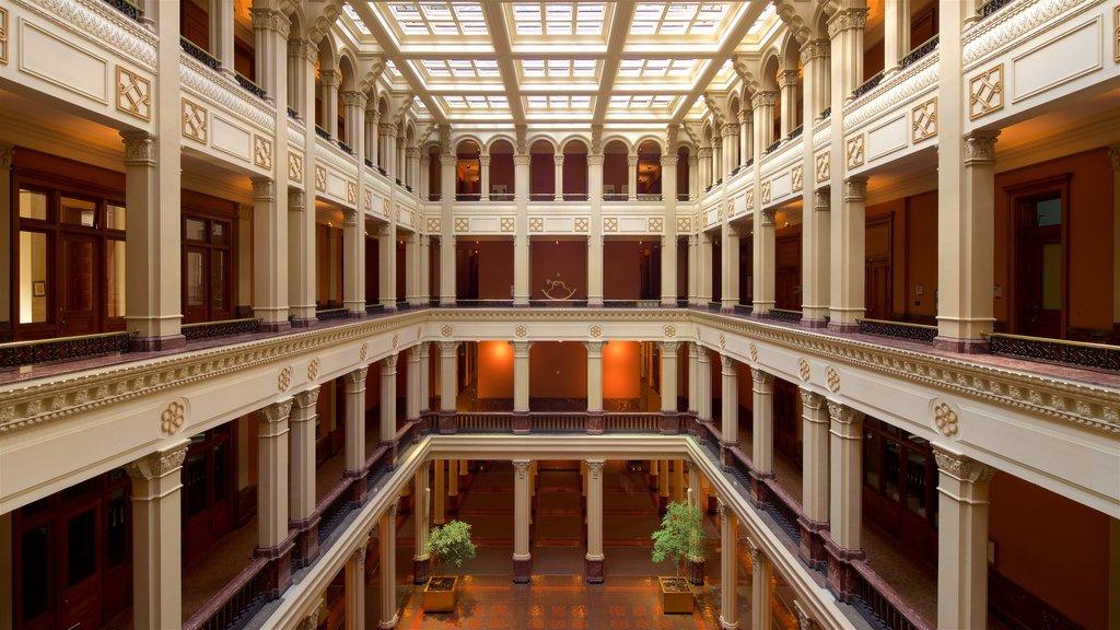 Landmark Center mostrando vistas interiores y elementos del patrimonio