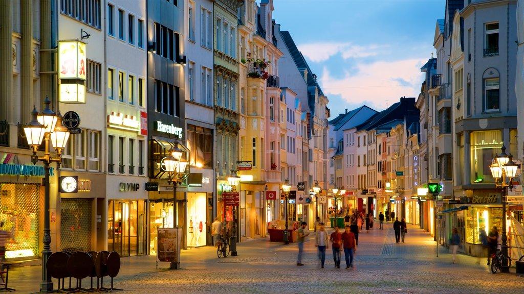 Mercado de Bonn ofreciendo escenas nocturnas