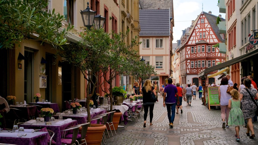 Mainz City Center showing street scenes