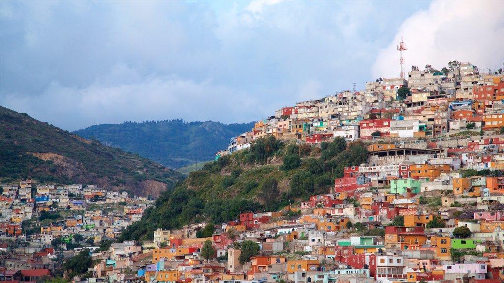 Pachuca que incluye vistas de paisajes y una ciudad
