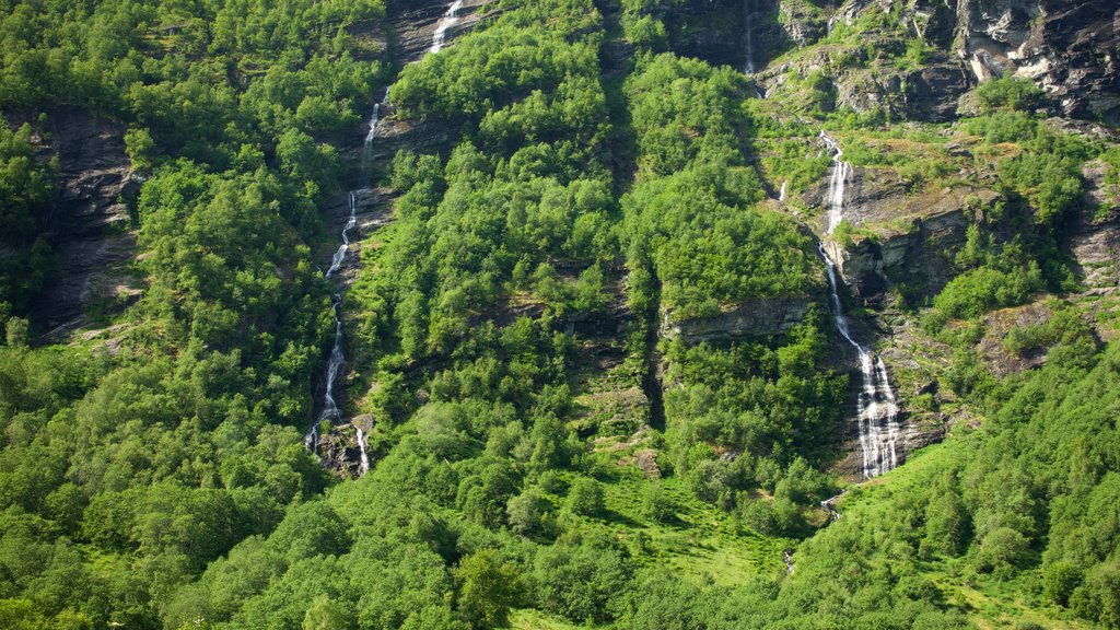 Geiranger which includes a waterfall