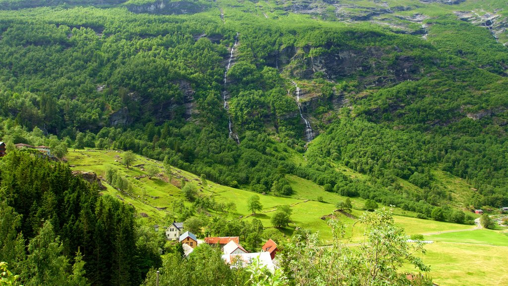 Geiranger which includes tranquil scenes