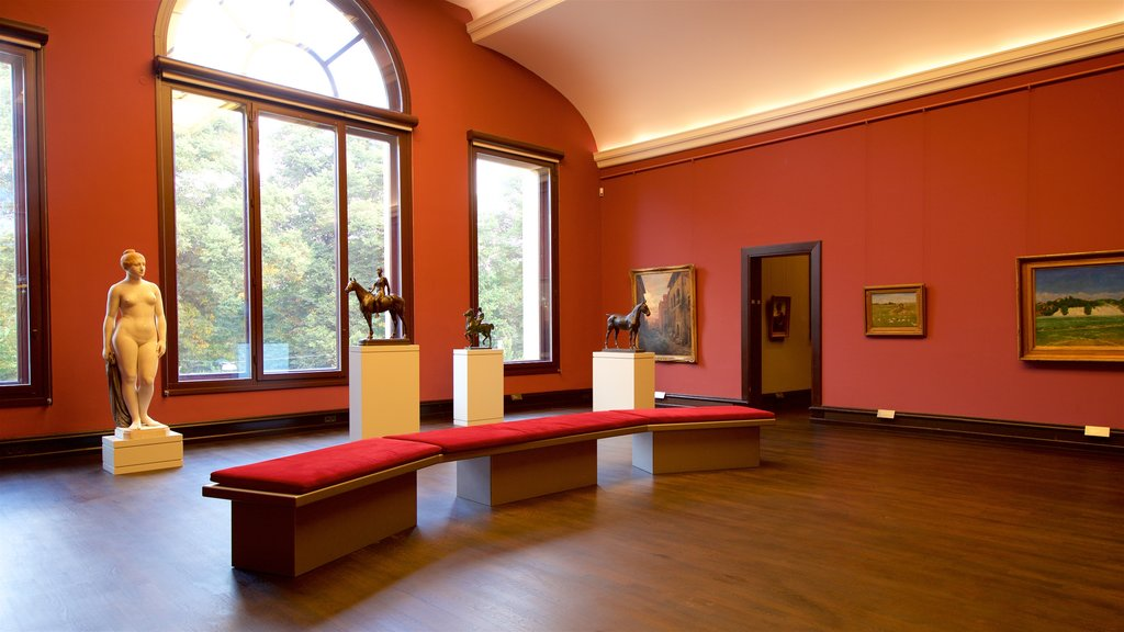 Kunsthalle Bremen showing interior views and art