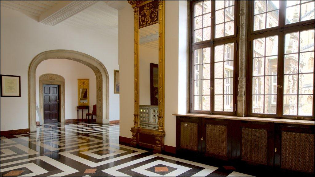 Ayuntamiento de Bremen que incluye elementos del patrimonio y vistas interiores