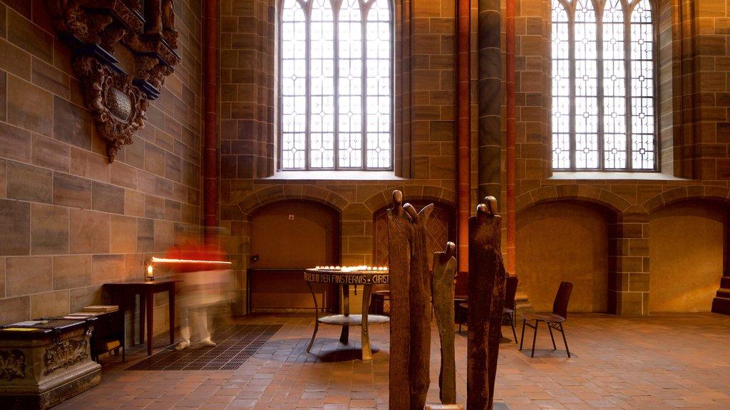 Catedral de Bremen mostrando elementos del patrimonio, una iglesia o catedral y vistas interiores