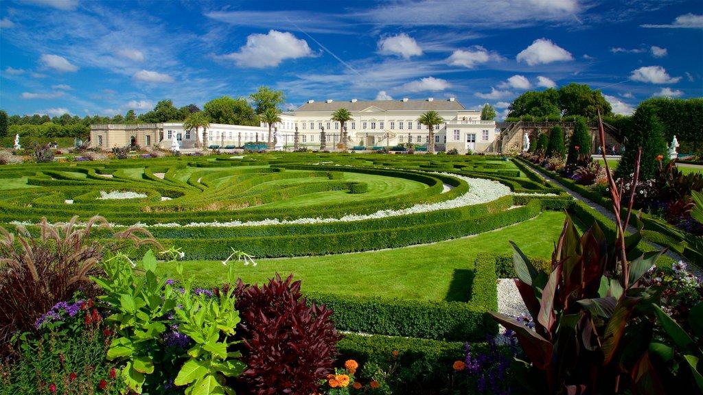 Herrenhausen Gardens featuring wildflowers, a garden and heritage elements