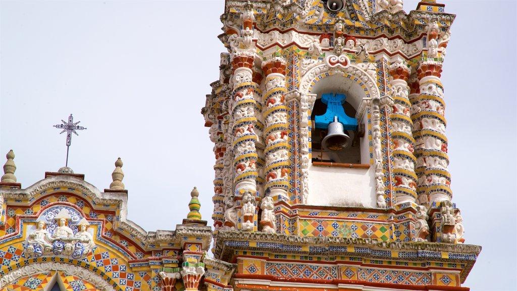 Puebla showing heritage elements