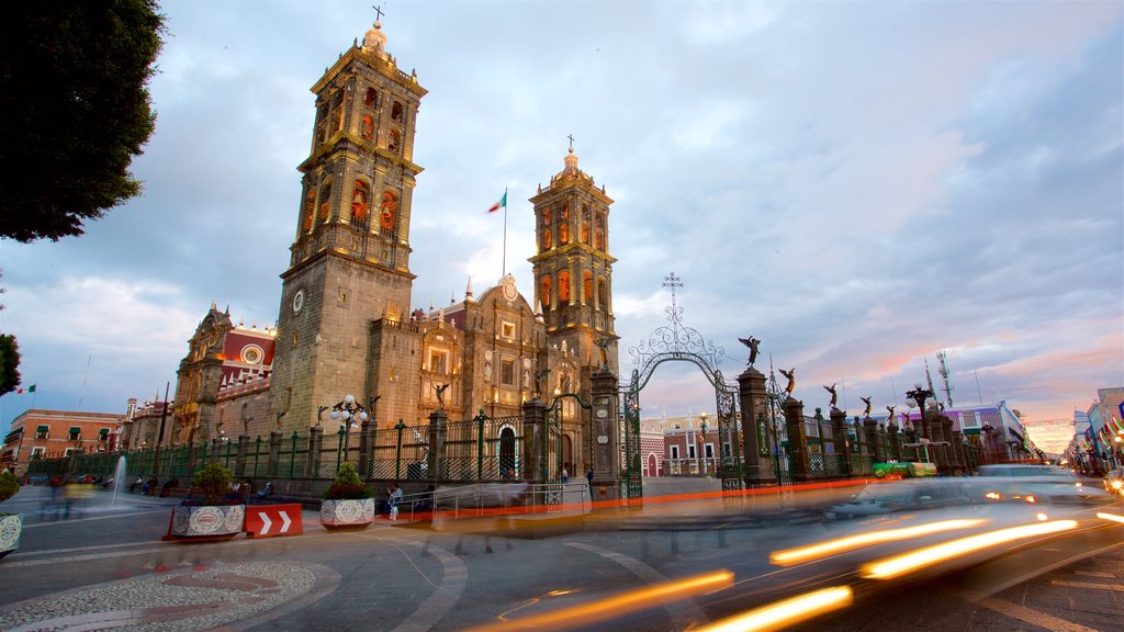 Puebla Cathedral which includes heritage architecture