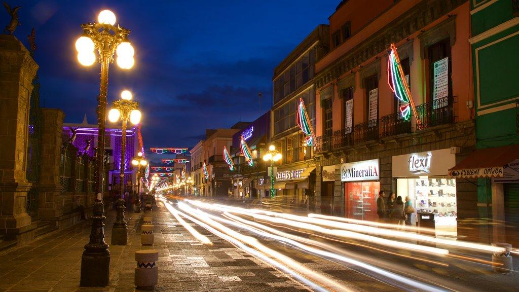 Puebla showing night scenes
