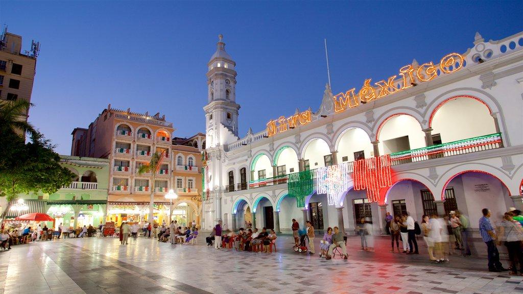 Veracruz showing night scenes and heritage elements