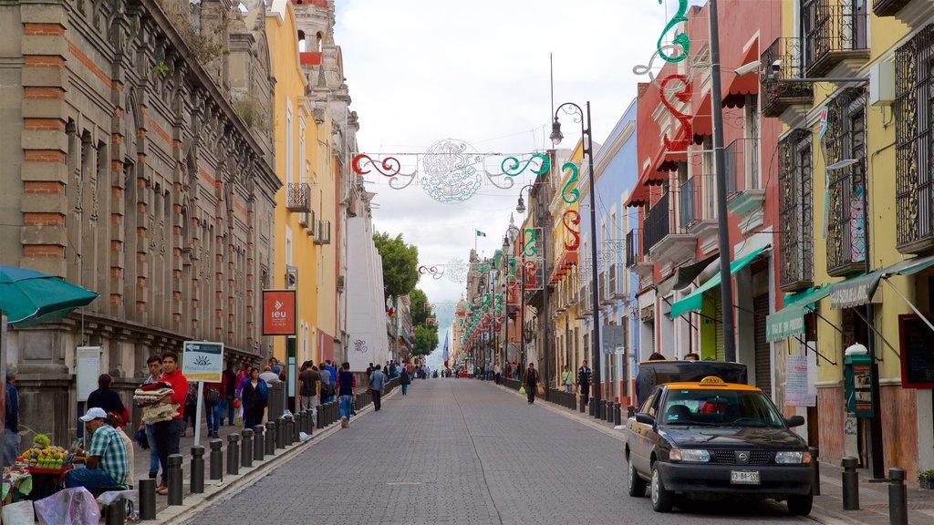 Puebla showing a city