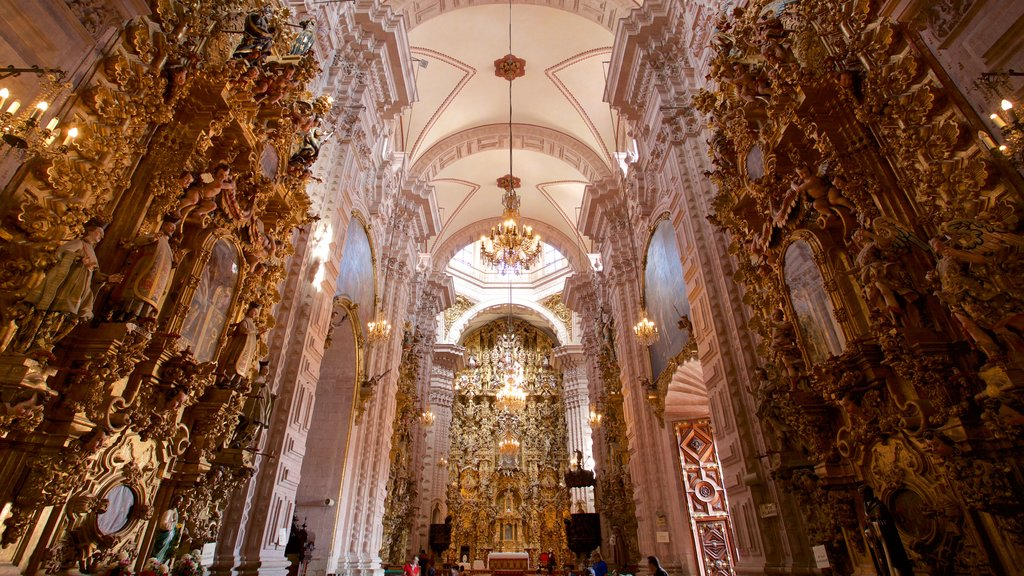 Santa Prisca Cathedral featuring heritage elements, interior views and a church or cathedral