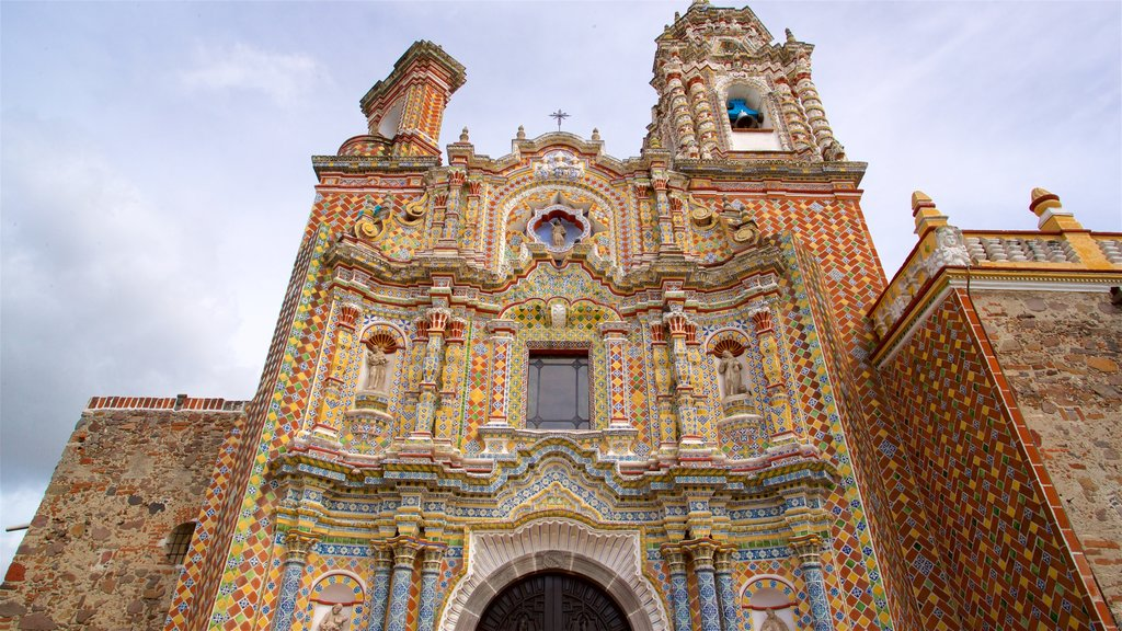 Puebla showing heritage architecture and a church or cathedral