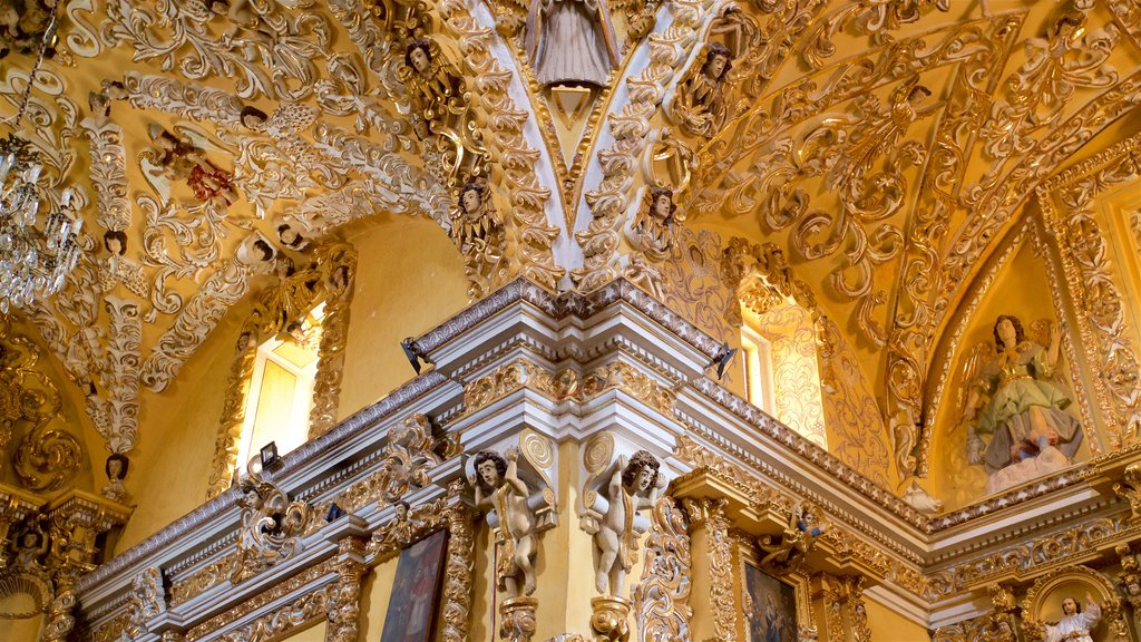 Templo San Francisco Acatepec featuring interior views, heritage elements and religious aspects