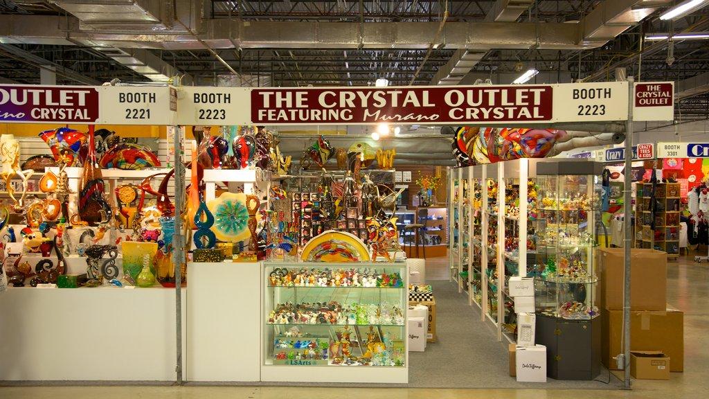 Festival Flea Market ofreciendo señalización, vistas interiores y mercados