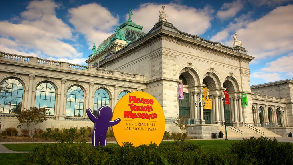 Please Touch Museum showing signage and a city